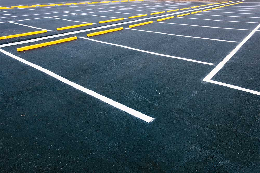Why you should use asphalt instead of concrete for your parking lot